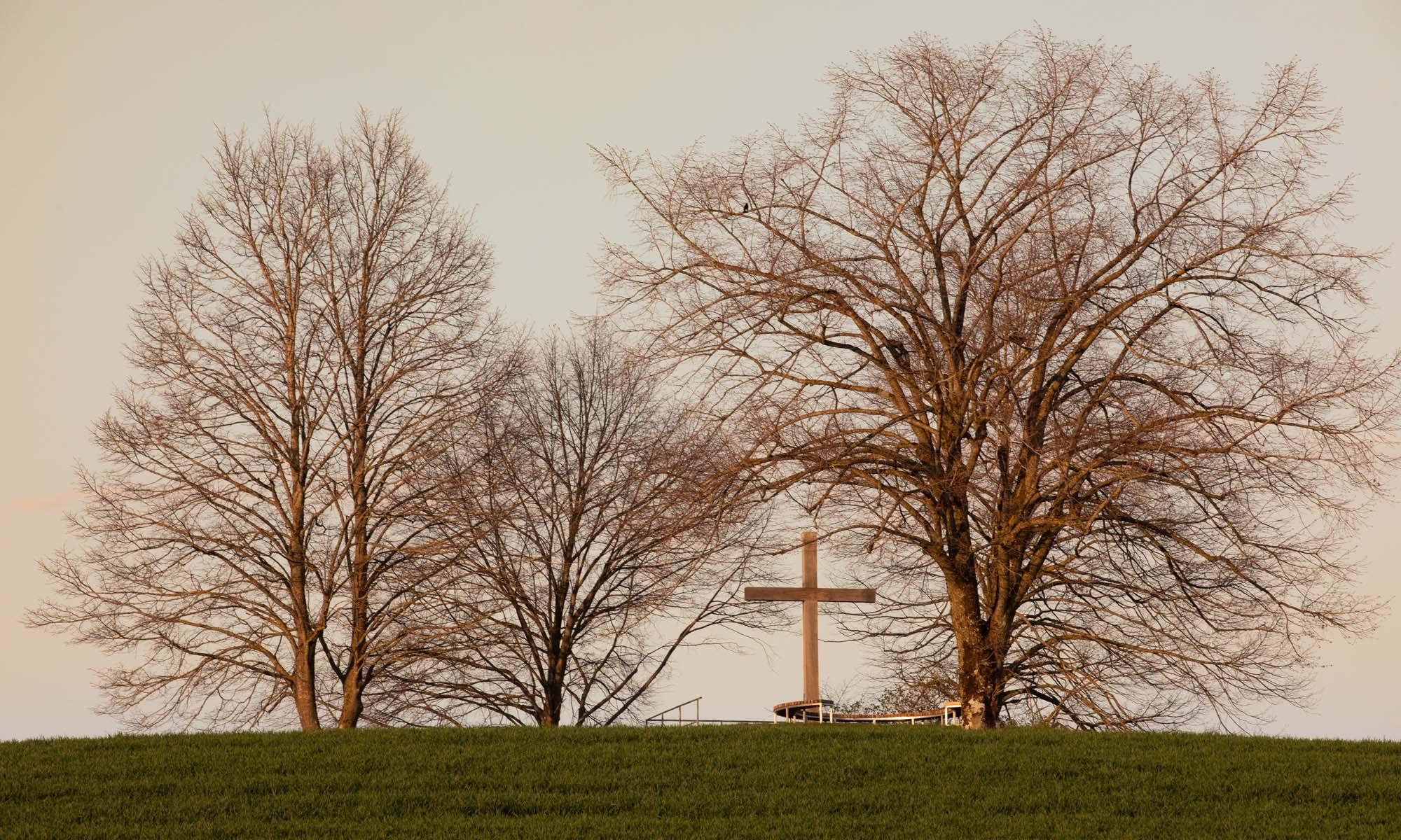 Sonnenaufgang am Kreuz